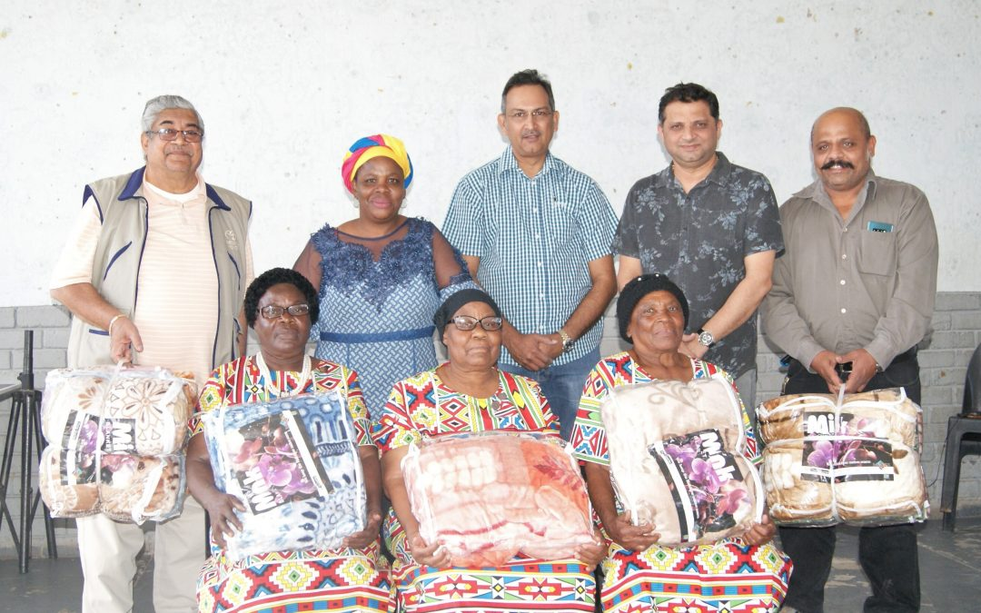 Blankets for Musina elders